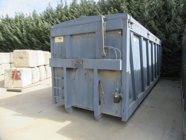 27#44740 Container scarrabile Locatelli con coperchio