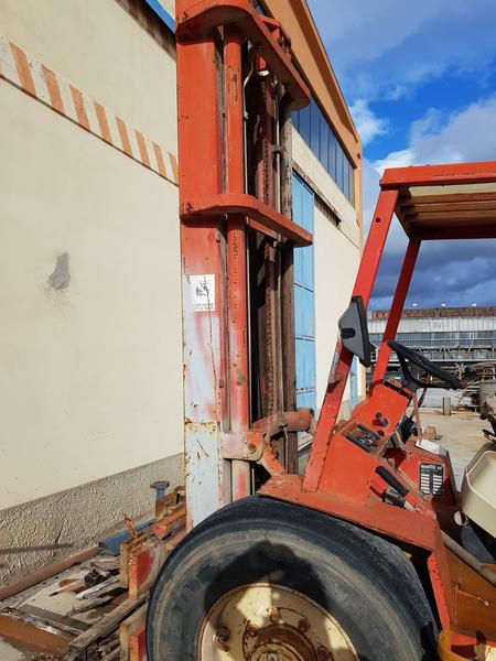 Immagine n. 9 - 56#4479 Ruspa cingolata Caterpillar e carrello elevatore Manitou