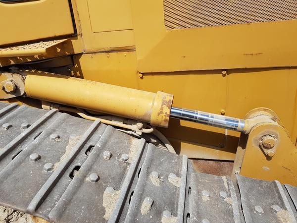 Immagine n. 34 - 56#4479 Ruspa cingolata Caterpillar e carrello elevatore Manitou