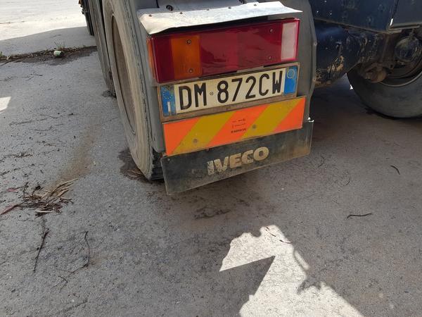 Immagine n. 5 - 65#4479 Trattore Iveco Trakker con semirimorchio Adige