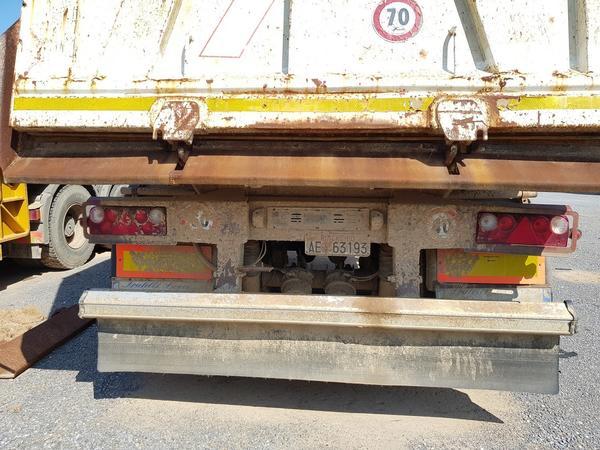 Immagine n. 8 - 65#4479 Trattore Iveco Trakker con semirimorchio Adige