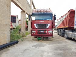 Iveco road tractor and semi trailer - Lote 73 (Subasta 4479)