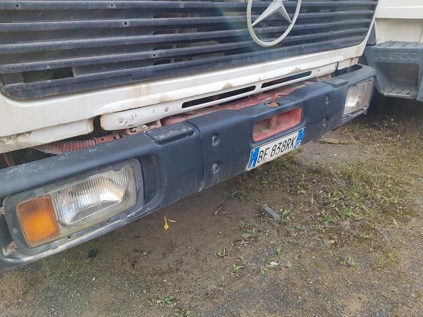 Immagine n. 6 - 74#4479 Trattore Man e spazzatrice Mercedes