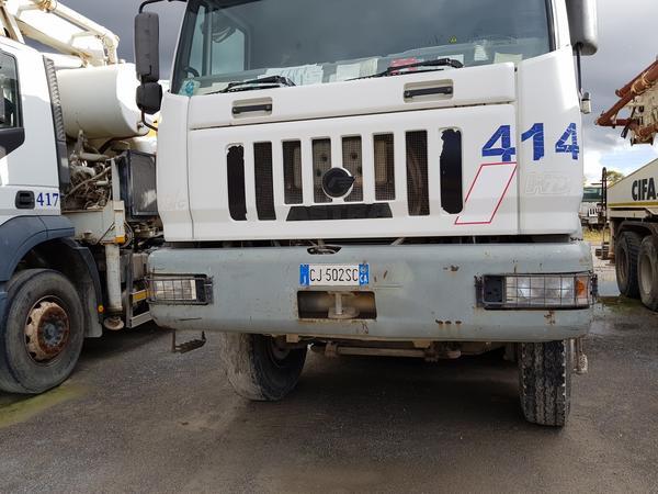 Immagine n. 3 - 75#4479 Betoniera Iveco Eurotrakker e betonpompa