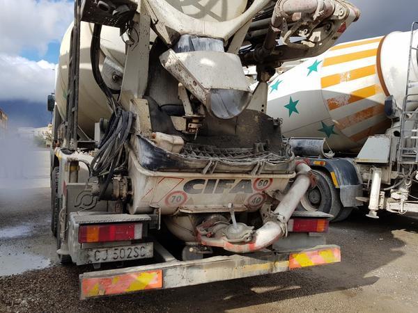 Immagine n. 8 - 75#4479 Betoniera Iveco Eurotrakker e betonpompa