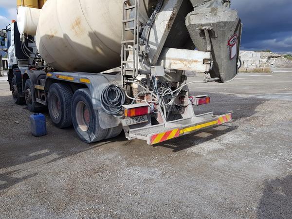 Immagine n. 38 - 75#4479 Betoniera Iveco Eurotrakker e betonpompa