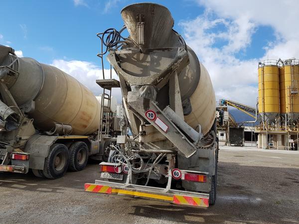 Immagine n. 39 - 75#4479 Betoniera Iveco Eurotrakker e betonpompa