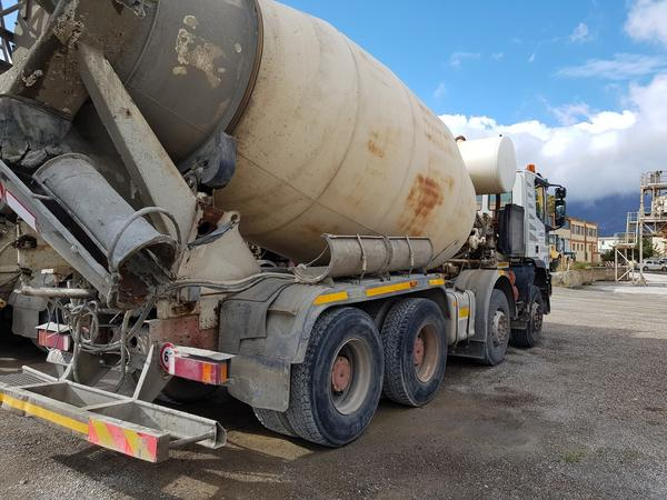 Immagine n. 42 - 75#4479 Betoniera Iveco Eurotrakker e betonpompa