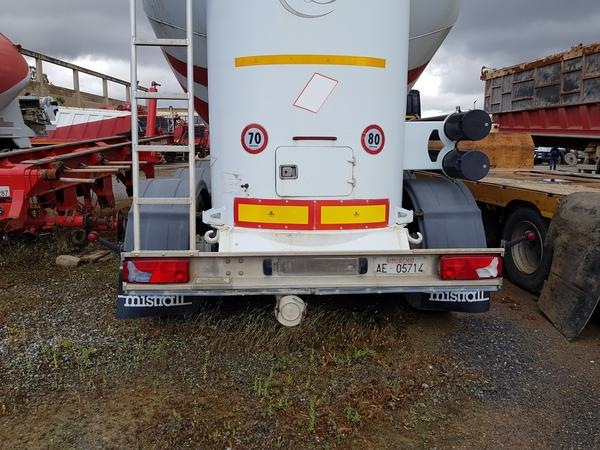 Immagine n. 2 - 77#4479 Cisterne per cemento fuso Mistral