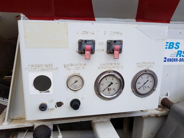 Immagine n. 8 - 77#4479 Cisterne per cemento fuso Mistral