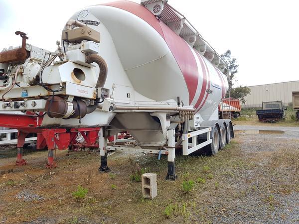Immagine n. 16 - 77#4479 Cisterne per cemento fuso Mistral