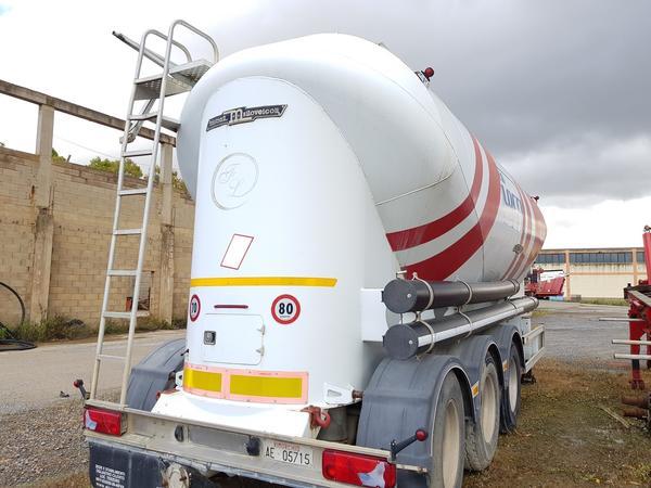 Immagine n. 21 - 77#4479 Cisterne per cemento fuso Mistral