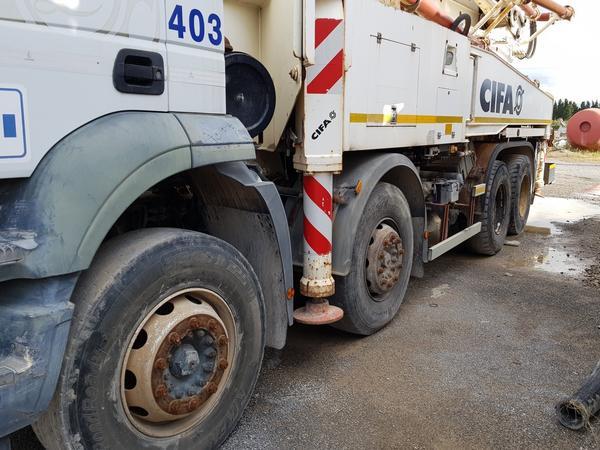 Immagine n. 4 - 81#4479 Pompa per calcestruzzo Iveco Euro Trakker