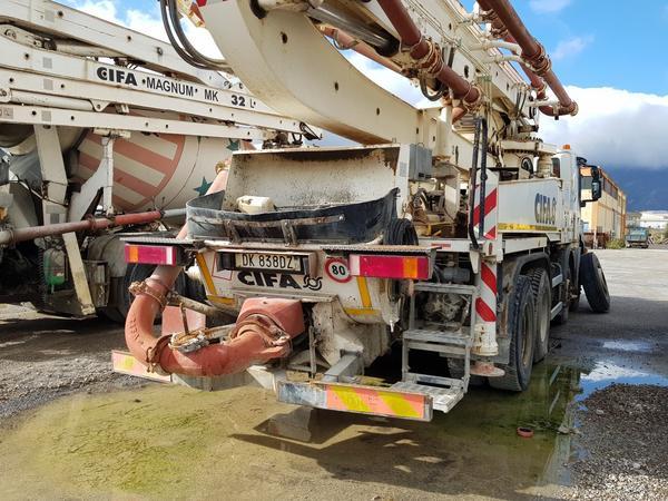 Immagine n. 11 - 81#4479 Pompa per calcestruzzo Iveco Euro Trakker