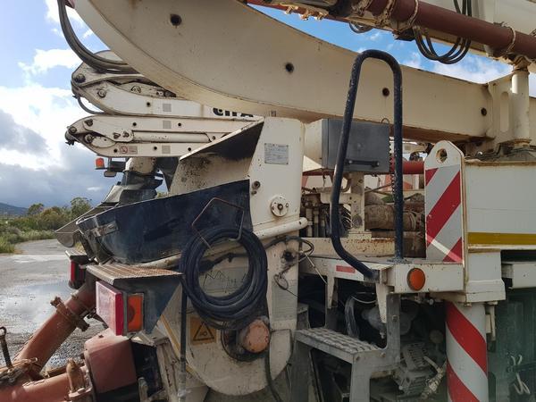 Immagine n. 15 - 81#4479 Pompa per calcestruzzo Iveco Euro Trakker