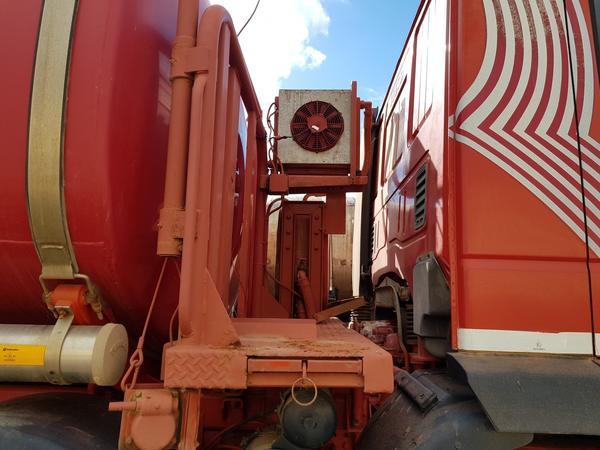Immagine n. 6 - 85#4479 Autocisterne Iveco e autocarro Daily