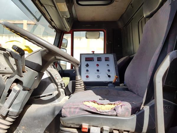 Immagine n. 12 - 85#4479 Autocisterne Iveco e autocarro Daily