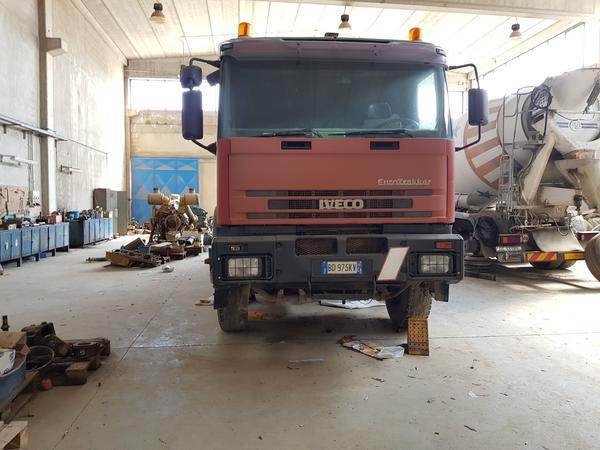 Immagine n. 13 - 85#4479 Autocisterne Iveco e autocarro Daily