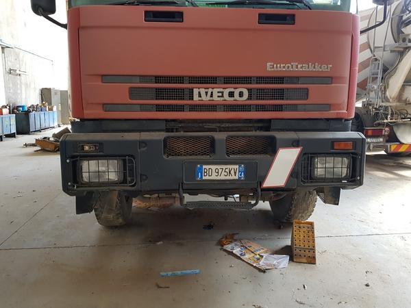 Immagine n. 14 - 85#4479 Autocisterne Iveco e autocarro Daily