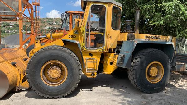 1#4492 Pala gommata Hanomag serie 55D
