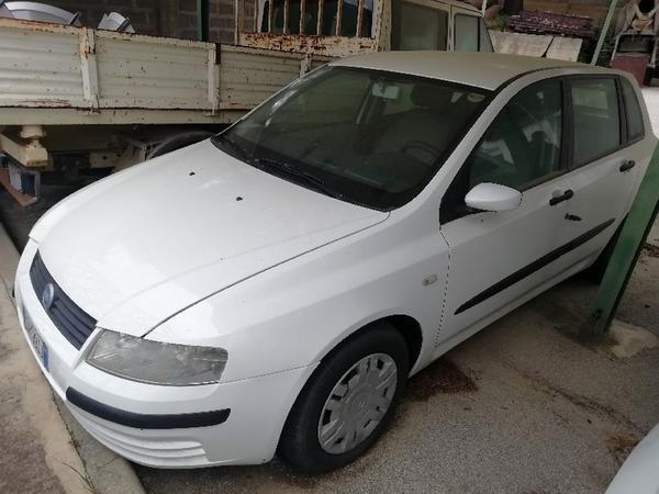 12#4493 Autocarro Fiat Stilo