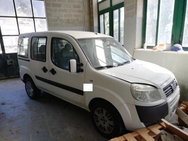3#4493 Autocarro Fiat Doblò