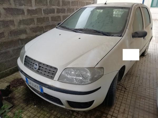 9#4493 Autocarro Fiat Punto Van