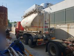 Veicolo Scania con cisterna - Lotto 12 (Asta 4499)