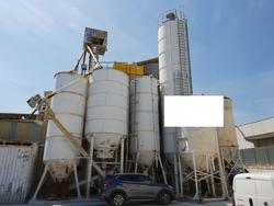 Silos and machinery for the processing of premixed products - Lote 8 (Subasta 4499)
