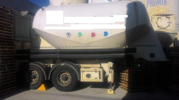 2#44990 Semirimorchio cisterna Ardor