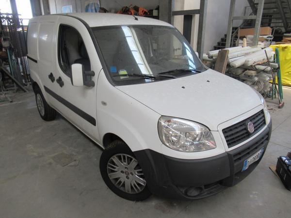 1#4507 Autocarro Fiat Doblò
