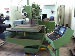 Maho knee type milling machine - Lot 18 (Auction 4519)