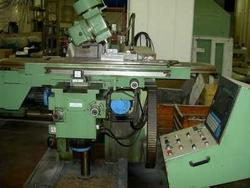 Remac knee type milling machine - Lot 20 (Auction 4519)