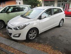 Hyundai i30 station wagon car - Lote 1 (Subasta 4524)