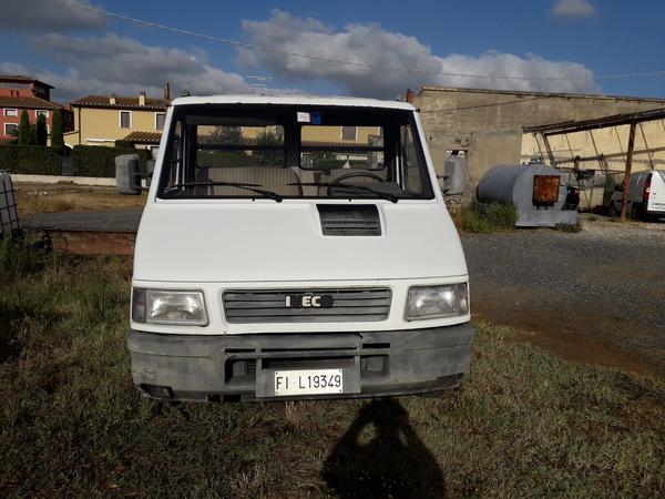 3#4529 Autocarro Iveco Daily