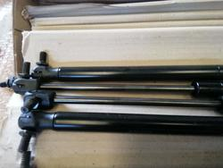 Hinges for doors and gas springs - Lot 43 (Auction 4533)
