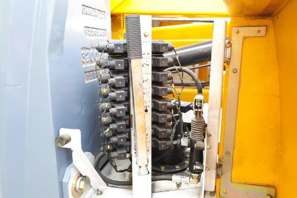Immagine n. 17 - 4#4535 Piattaforma semovente articolata eletrica Haulotte HA15 ip