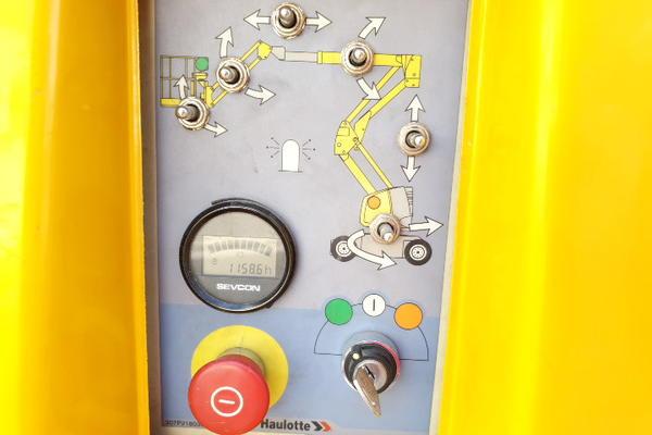 Immagine n. 18 - 4#4535 Piattaforma semovente articolata eletrica Haulotte HA15 ip