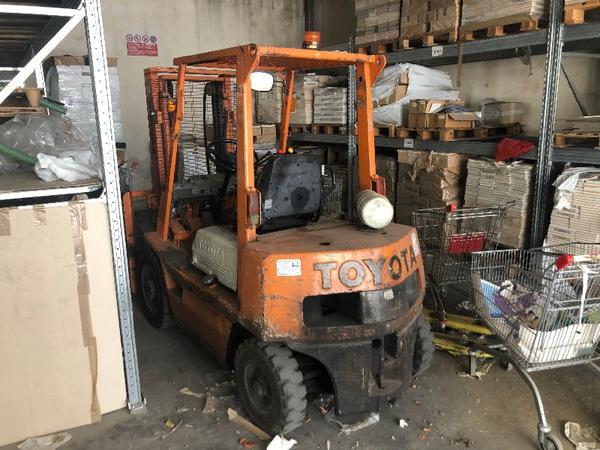 4#4548 Transpallet manuali e carrello elevatore Toyota