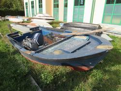 Fiberglass boat - Lot 10 (Auction 4549)