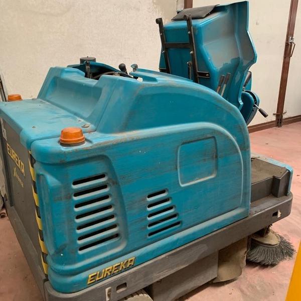 Immagine n. 3 - 2#4604 Spazzatrice idraulica Eureka Extrema Diesel