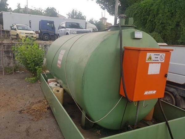 64#4606 Cisterna per carburante