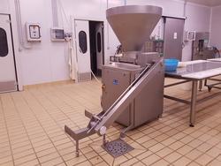 Omet bagging machine and meat grinder - Lote  (Subasta 4631)
