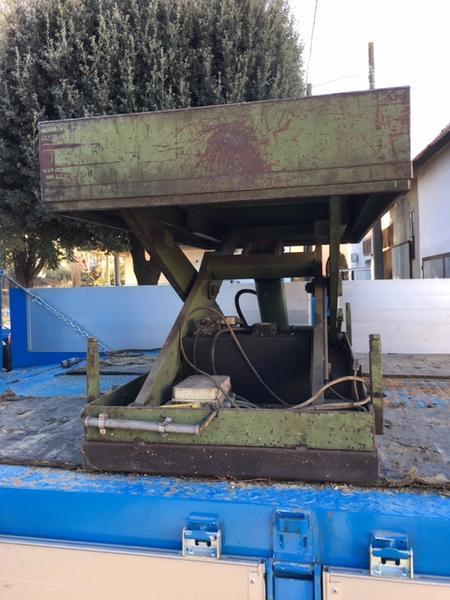 Immagine n. 3 - 4#4646 Banco da lavoro sollevabile idraulicamente