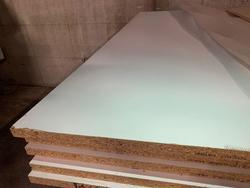 2L white melamine chipboard panel - Lot 3 (Auction 4650)