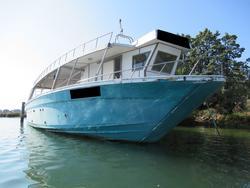 Motobarca da pesca in vetroresina