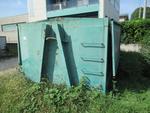 Immagine 3 - Cassone in ferro porta sfridi e cassone porta scarti - Lotto 22 (Asta 4676)
