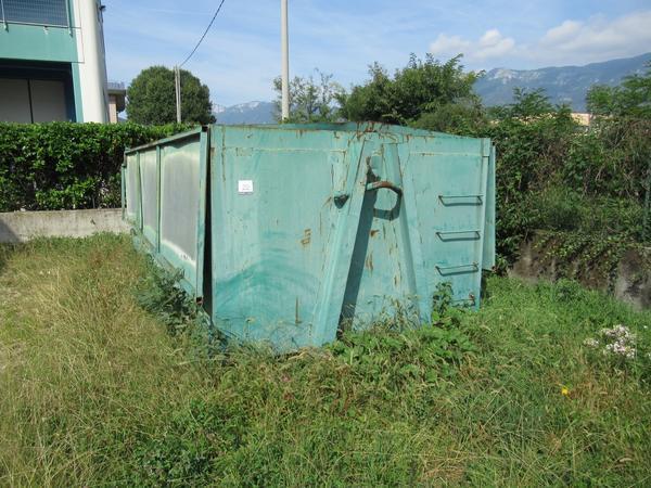 22#4676 Cassone in ferro porta sfridi e cassone porta scarti