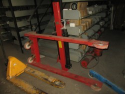 Mazzola M1500D hydraulic grasshopper lift - Lot 17 (Auction 46820)