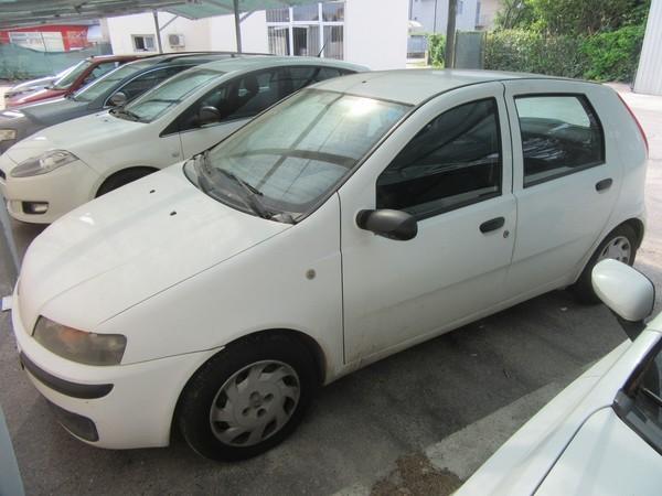 208#46820 Autovettura Fiat Punto
